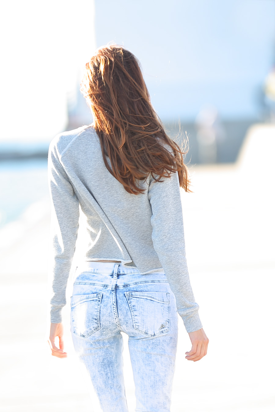 Natalie Soul Life Style Blog. Goodbye-summer outfit. Express Blue destroyed skinny jeans and American Eagle Outfitters  crop sweatshirt.