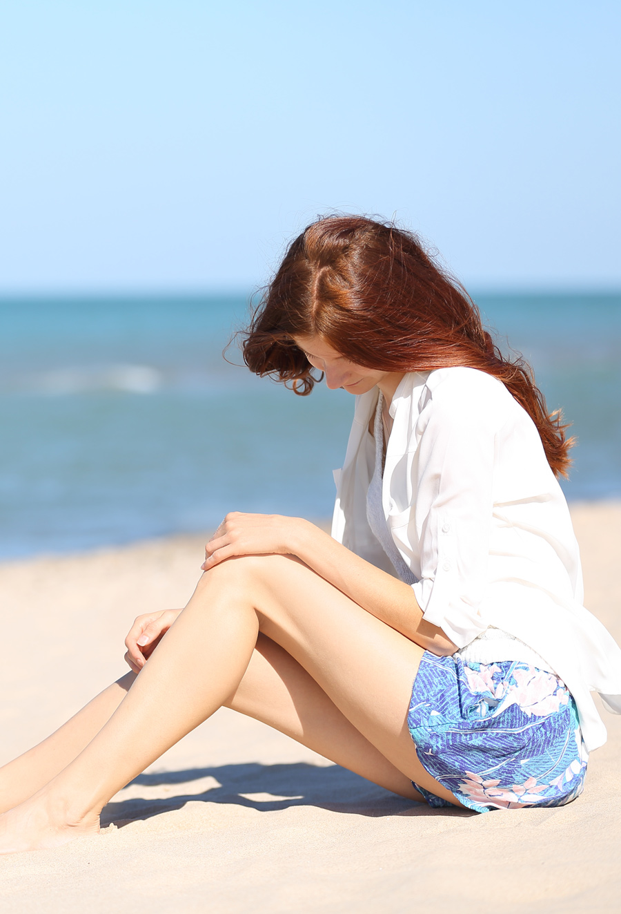Natalie Soul Life Style Blog. Indiana Dunes Outfit. American Eagles Outfitters shorts, Top Aeropostale,  shirt Express