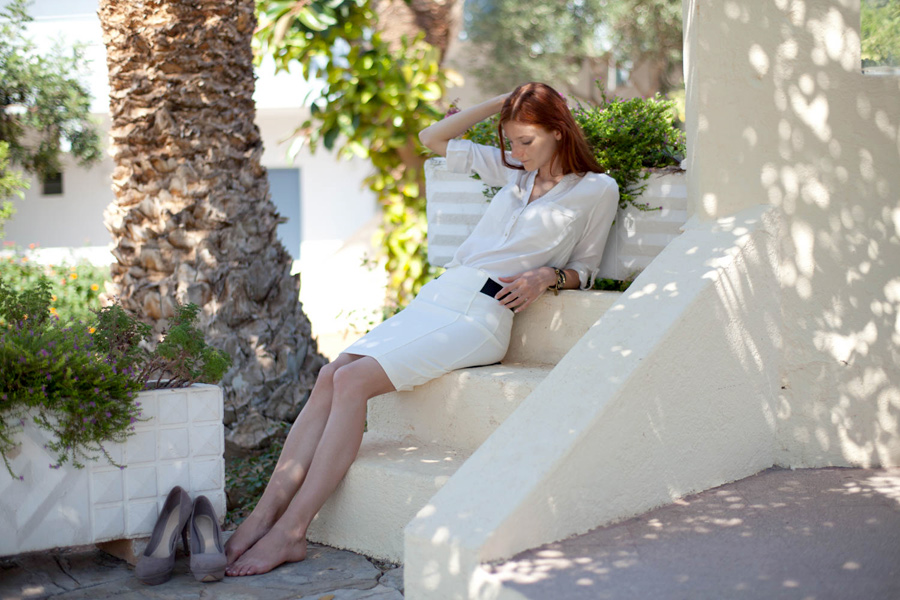 Natalie Soul Life Style Blog. White shirt White Skirt Outfit