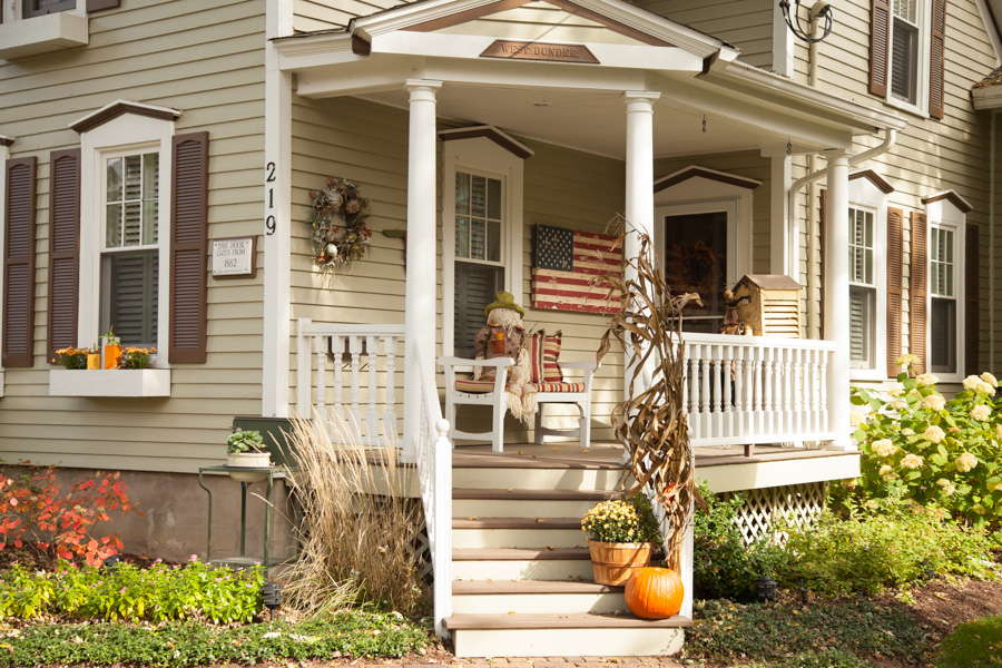 Happy Fall: Halloween Decorations